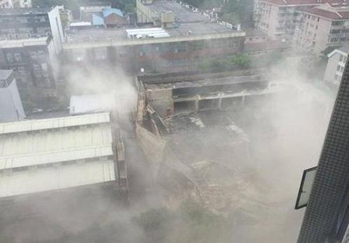 上海长宁区改建厂房坍塌--建筑人需注意这些!