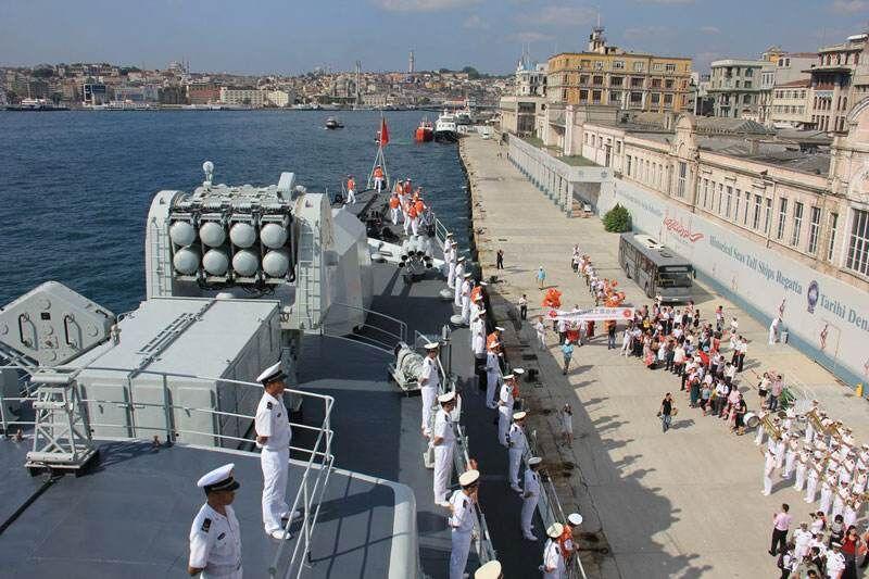 青岛海军码头护舷安装