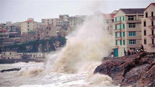 扛起台风的重任 看那些高层建筑情况!