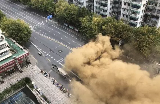 建筑加固 杭州建国北路出现塌陷 小区倾斜
